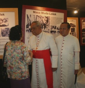 Kardinal Julius Darmaatmadja SJ bersama Uskup Agung Jakarta