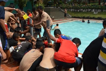 Pramuka Water Tank Yang Seru di Songgoriti