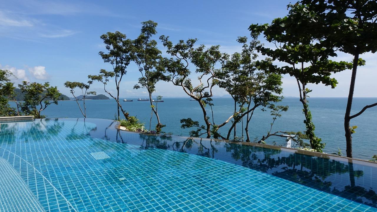 swimming-pool-1031245_1280