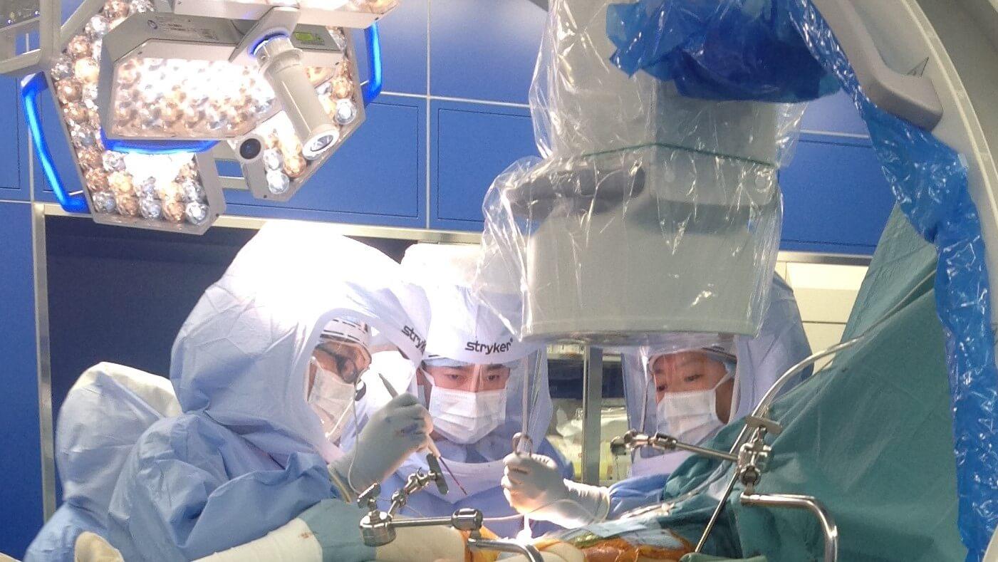 人工股関節置換術の手術見学4