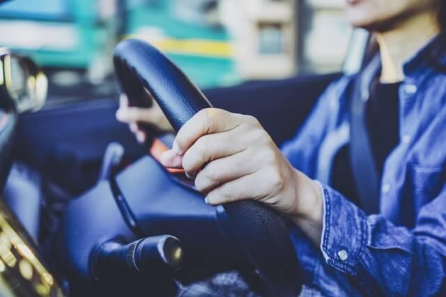 人工股関節置換術と車の運転