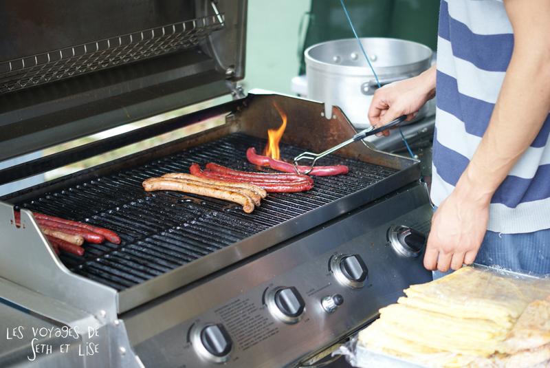 braderie lille france voyage travel organisation brocante tourisme tourism saucisse bbq barbecue food manger