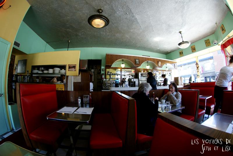 blog voyage canada montreal restaurant anecdote