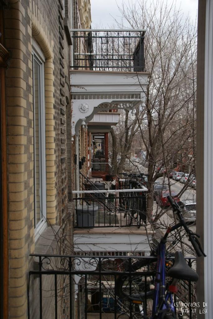 blog voyage canada pvt montreal entree dorioin escalier