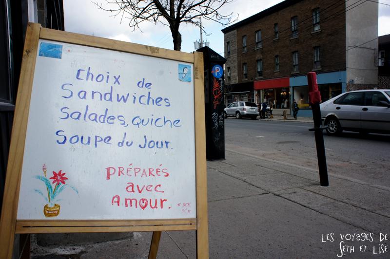 blog voyage canada montreal pvt sandwich amour pancarte