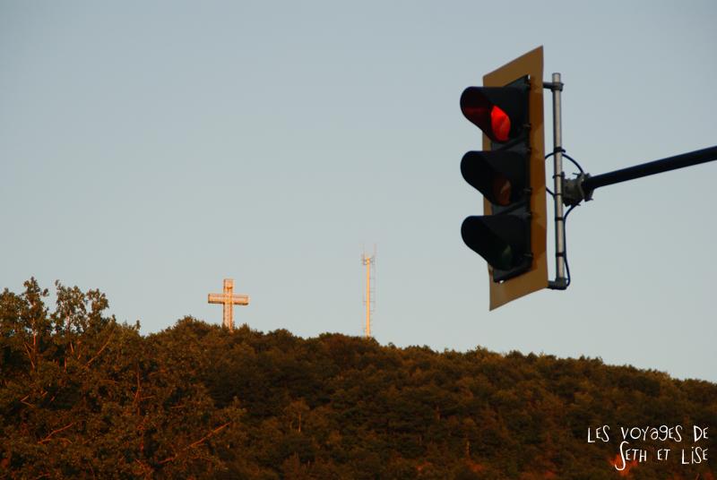 blog canada montreal pvt seth lise photo sunrise urbain soleil crépusucle cross croix jesus religion mont royal