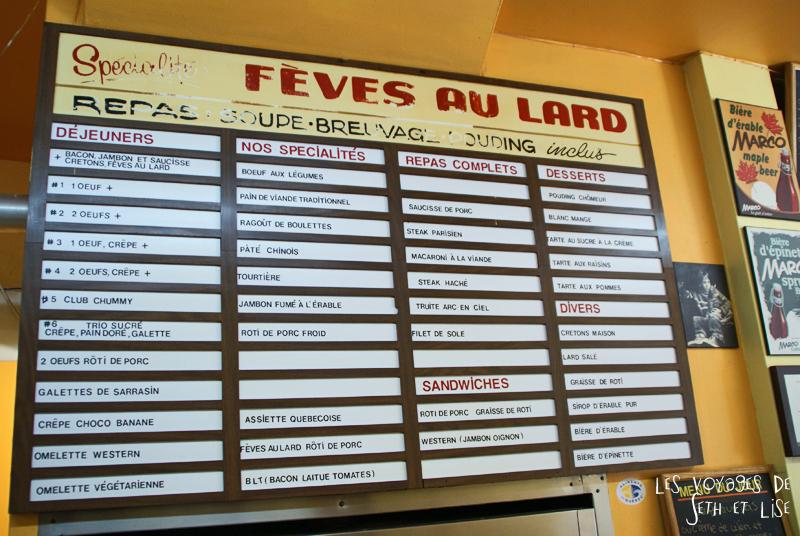 blog pvt canada photographie couple voyage binerie mont royal feve lard restaurant quebecois montreal quebec menu affichage