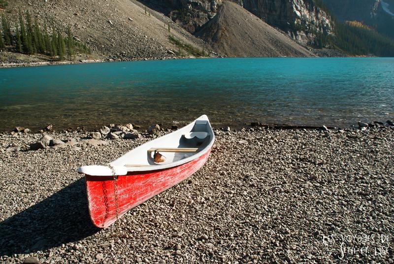 blog photogaphie pvt pvtiste canada alberta rocheuses montagne couple voyage tour du monde paysage nature lac lake moraine canoe shore