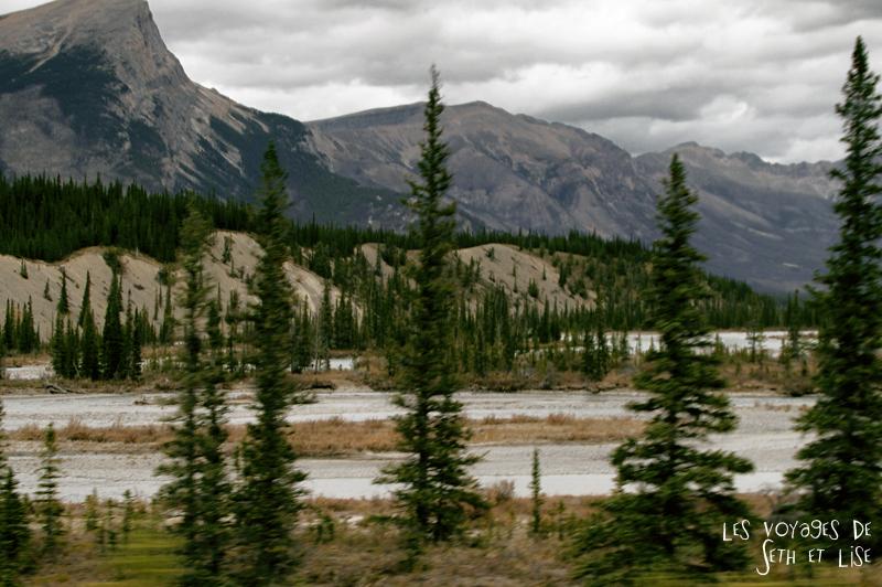 blog pvt photographie pvtiste canada alberta rocheuses rockies moutains voyage montagne couple tour du monde nature parc national lac lake lakeshore