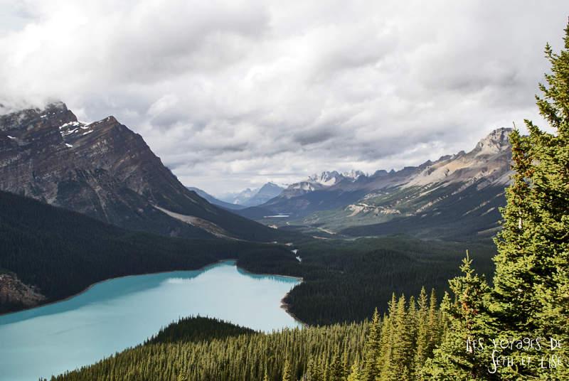 Des lacs dans les rocheuses
