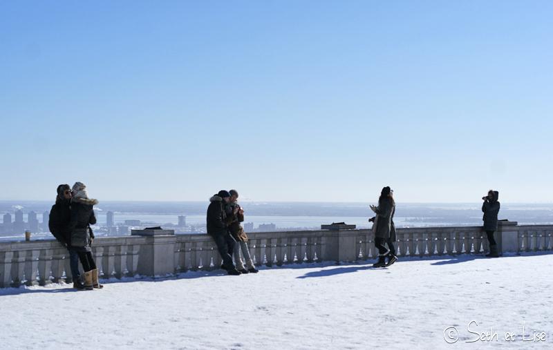 blog pvt canada voyage photographie montreal mont royal hiver neige amourex romantique couple belvedere chalet