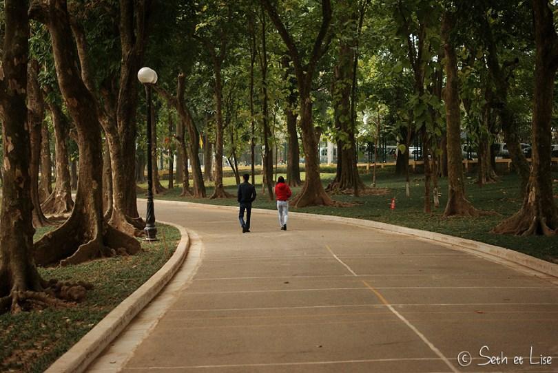 hanoi-couple-walk.jpg