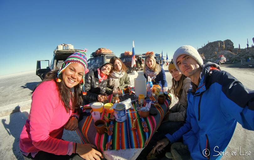 salar uyuni bolivia group selfie