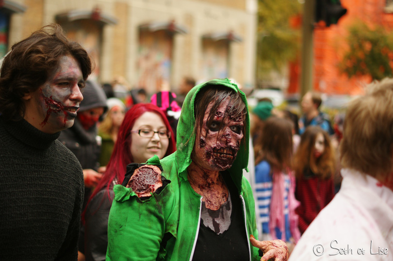 zombie accident marche des zombies montreal