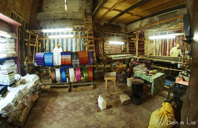 tisseur de tapis fes maroc