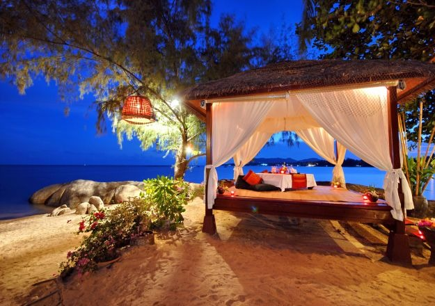 book-Easy-Honeymoon-Trips-with-Good-Times-Holidays-Connaught-Place