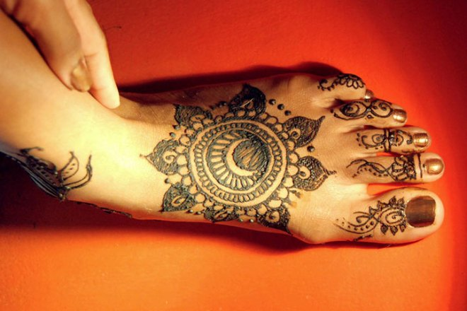 circles-arabic-mehndi-designs-for-legs