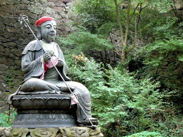 Negoroji Statue