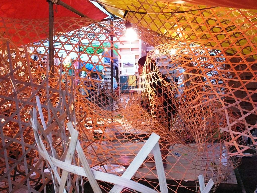 Weaving Weaving - Bengal Island - 3