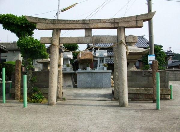 Teshima Ieura - Shrine