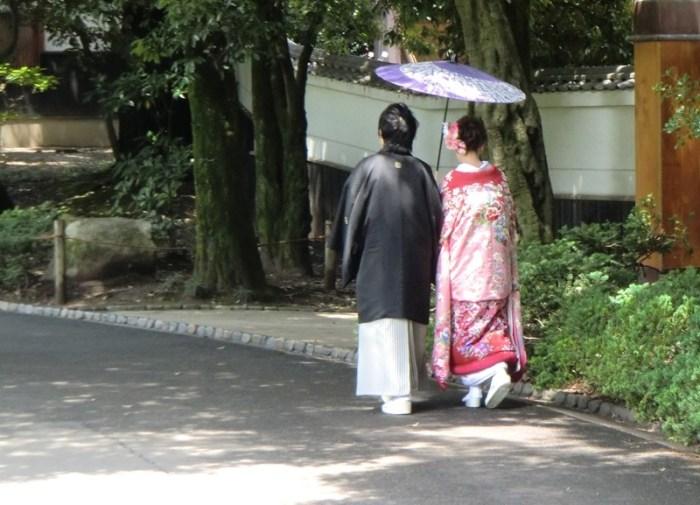 Bride and Groom in Korakuen - 4