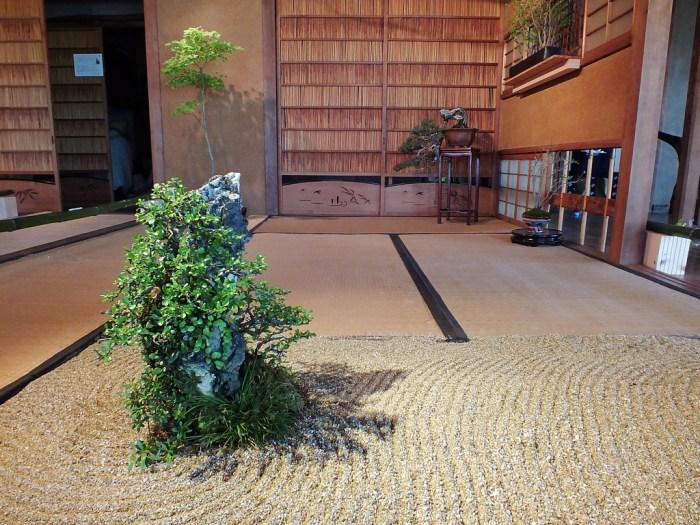 9 - Megijima - Feel Feel Bonsai