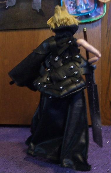 Tara Tomoes FFVII AC Cloud Strife 115 Doll