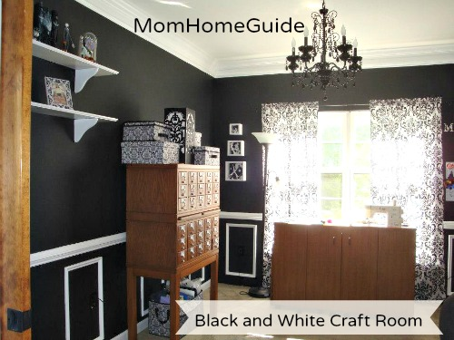 22 Decor Ideas In Black Setting For Four
