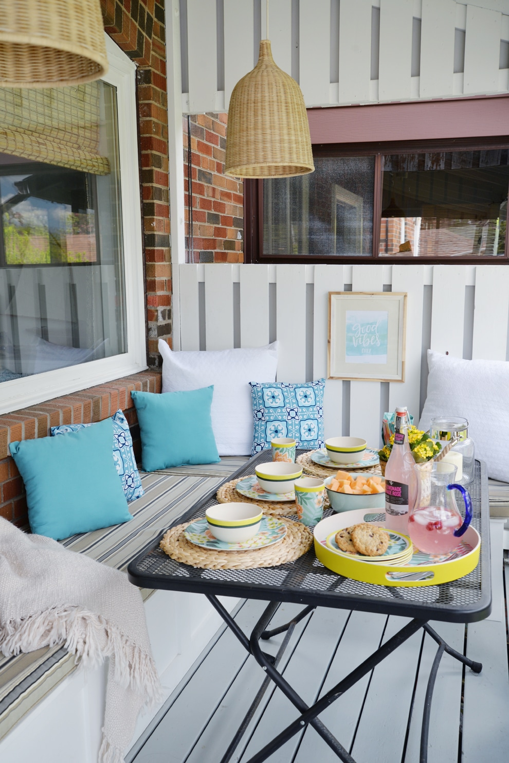 12 Stylish Porch, Deck and Patio Decor Ideas - Setting for ... on Backyard Patio Decorating Ideas id=62854