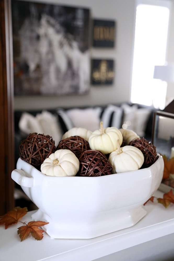 Harvest Decorations For The Home Awe Inspiring Cozy Fall Staircase Decor Ideas 15 Jpg 736 Pixels