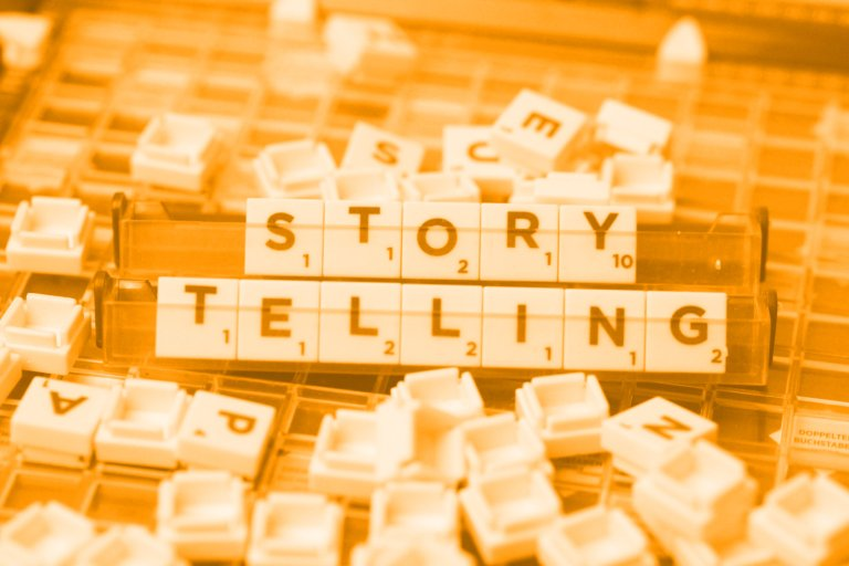 """Wort """"Storytelling"""" gelegt aus Buchstabensteinen; Foto: (c) Manuela Seubert"""