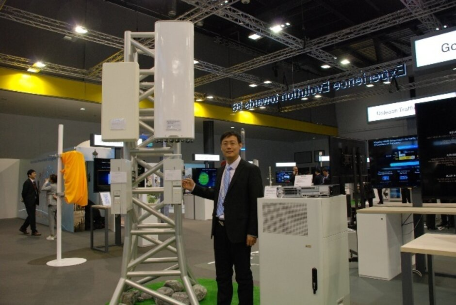 A Huawei base station developed for use with 5G networks - British PM Johnson said there were no alternatives to Huawei. France found a couple.