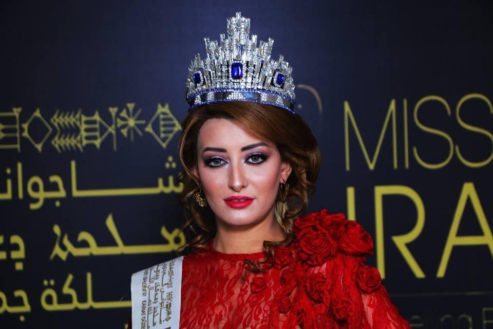 Miss Irak publica selfie con otra mujer y quieren arrancarle la vida