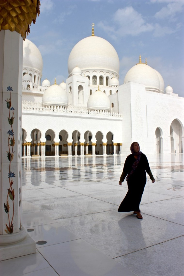 The Ultimate Guide to The Grand Mosque, Abu Dhabi! www.sevencontinentssasha.com