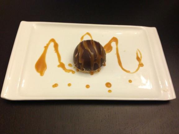 Dôme en coque chocolat et sa mousse spéculoos (10)