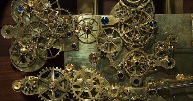 Vintage_Franz_Zajizek_Astronomical_Clock_machinery_-_0537