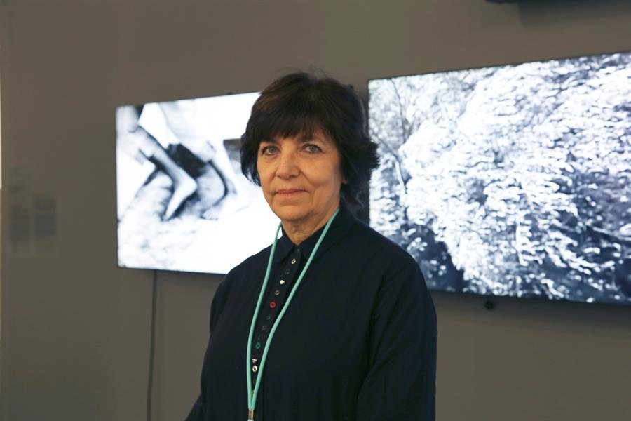 """La artista bonaerense Silvia Rivas este fin de semana en ARCO, donde ha afirmado que """"hay una forma de vivir en Latinoamérica, hay una concepción del paraíso desde afuera que es muy distinta a la de adentro, el paraíso desde adentro es inaccesible"""". EFE/Macarena Soto"""