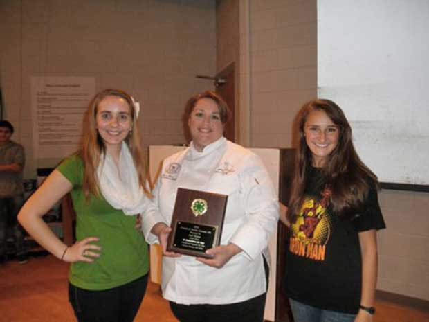 Walters State's Jeri Haun Receives Sevier County 4-H Award
