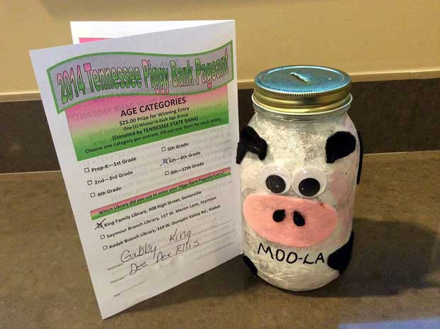2014 winning Piggy Bank Pageant entry by Gabby King