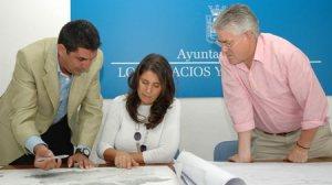 Maestre, Pérez y Centeno durante la reunión sobre las obras de mejora y ampliación de la vía