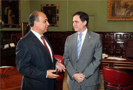 Joaquín Luque, el rector de la US, asistirá a la presentación del proyecto