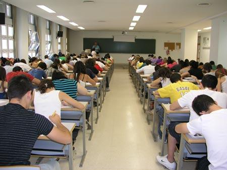 El alumno que es pillado copiando es sancionado o no por la Comisión de Docencia del Departamento