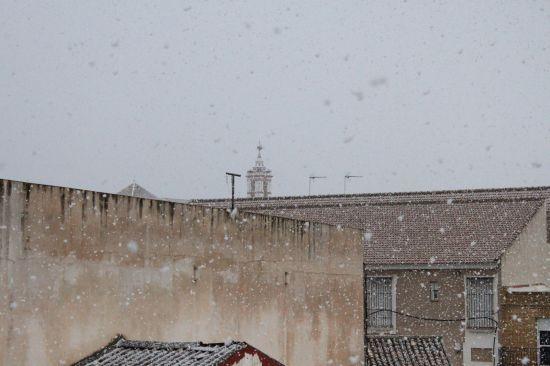 La nieve ha teñido de blanco parte de la Sierra Norte en el día de hoy/ Juan Carlos Romero
