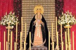 La Virgen de los Dolores preside desde el Lunes el altar mayor de la Parroquia del Divino Salvador de Castilblanco / Juan C. Romero