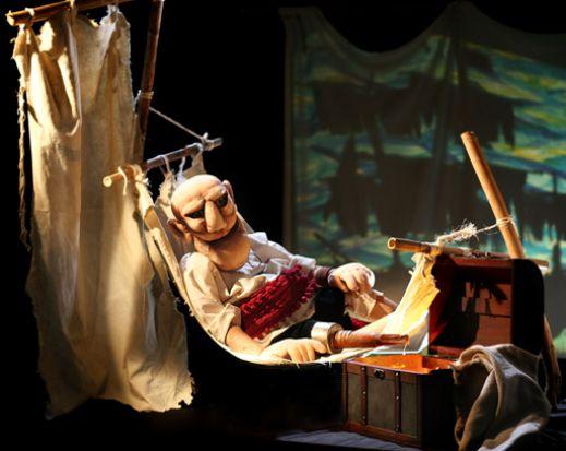En la Sala Cero toda la familia podrá disfrutar de Papabobo, el 8 de mayo, y El último Pirata, el domingo 9 de mayo.