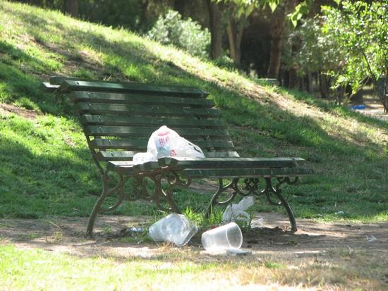 Basuras en el parque Infanta Elena de Sevilla Este/PA