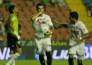 Álvaro Negredo marcó el penalti que ponía al Sevilla por delante en el marcador/Sevillafc