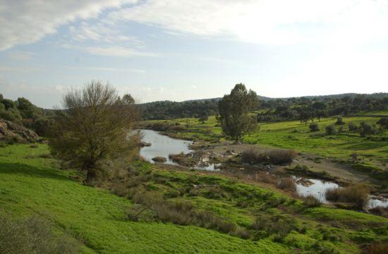 Valle del Río Viar en la Sierra Norte de Sevilla a la altura del término municipal de Castilblanco de los Arroyos / Juan C. Romero