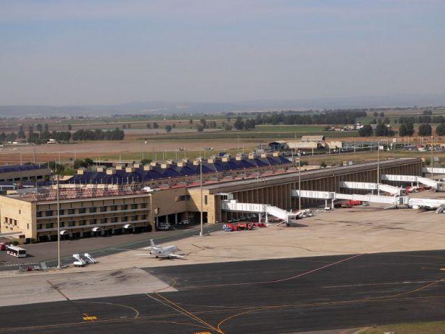 El Aeropuerto de Sevilla operó entre enero y marzo 13.954 vuelos/Foto de Archivo