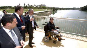 Rey, Monteseirín, Fernández Palomares y Vega hoy sobre el nuevo puente